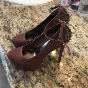 Camel platform heels with spikes and jewels